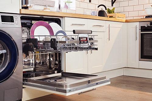 AEG ComfortLift Integrated Dishwasher